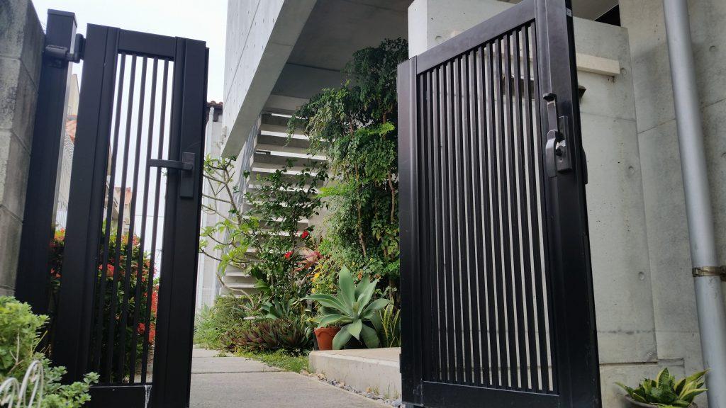 とろけるアーユルヴェーダ 琉球別邸 SPA LARIMAR のエントランス