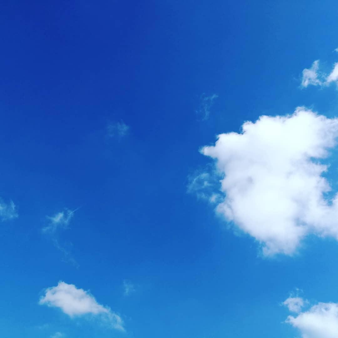 今の空はどんな空ですか?